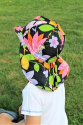 ROSTOUCÍ klobouček PAMPALÍNY, 100%Bavlna - KVĚTY růžová/zelená/černá