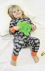 Rostoucí pyžamko z MERINA - AUTA na barevném podkladu - MERPYZAUT
