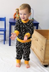 Rostoucí pyžamko z MERINA - ŠÍPY na barevném podkladu - MERPYSIP