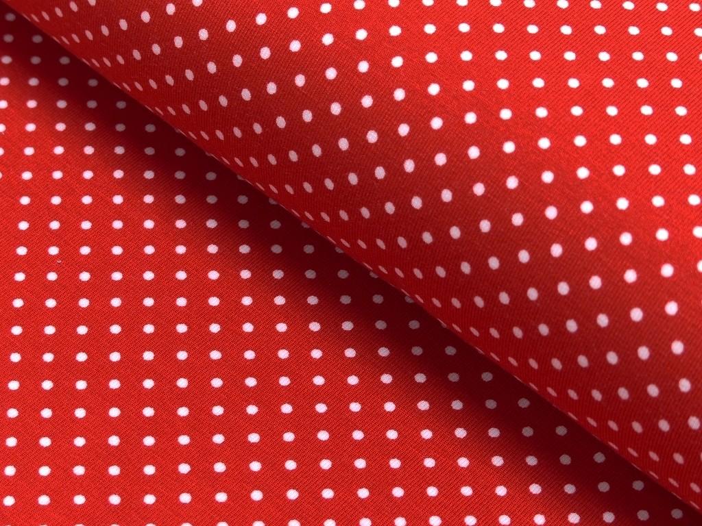 puntík v červené